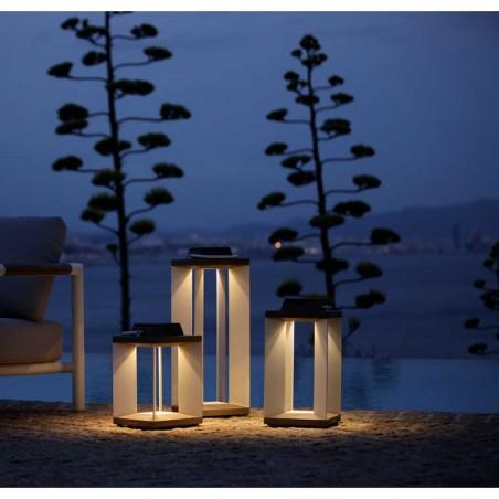 Lanterne solaire et rechargeable TeckAlu blanche - moyen modèle - LES JARDINS