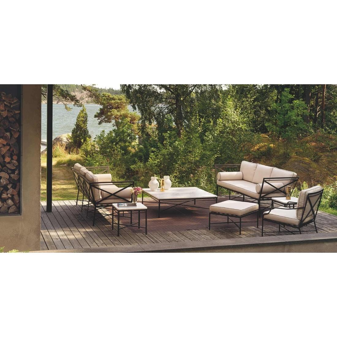 table basse carr e pour votre terrasse et jardin. Black Bedroom Furniture Sets. Home Design Ideas