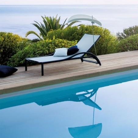Bain de soleil Première - accoudoirs en teck - EGO - Confort Jardin - Issambres