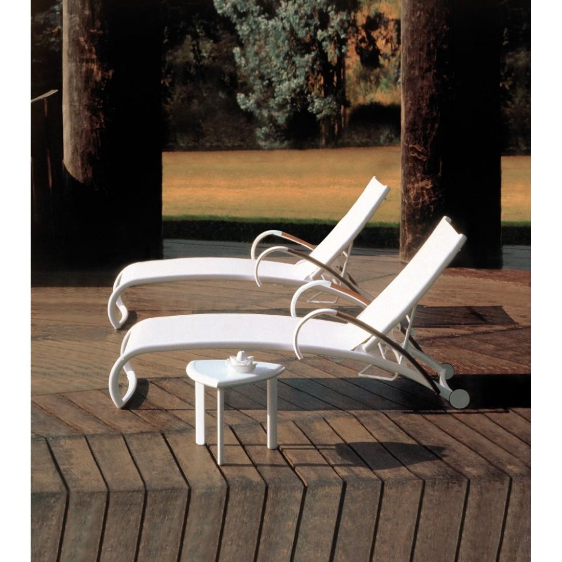 bain de soleil empilable rivage triconfort chez confort. Black Bedroom Furniture Sets. Home Design Ideas